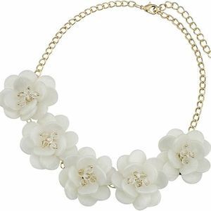 Jewelry - Floral Shell and Beads Statement Necklace